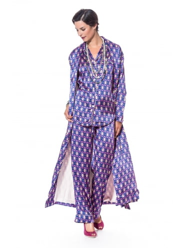 Have nice dreams with a Lila Silk Pyjama.